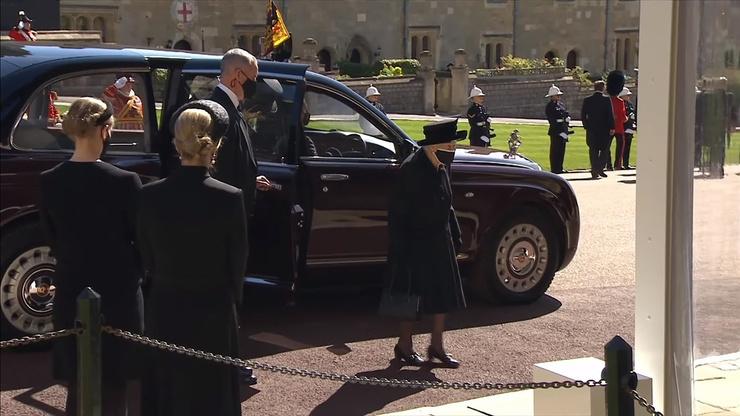 Елизавета II на похоронах мужа