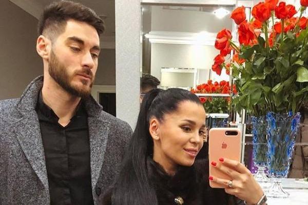 Юлия и Тигран узаконили отношения в декабре 2011 года