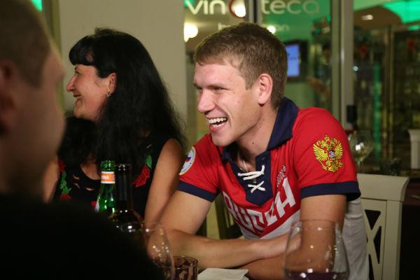 Двукратный призер чемпионатов мира Алексей Котлов, которого не пустили на Олимпиаду в Рио, был принят очень тепло