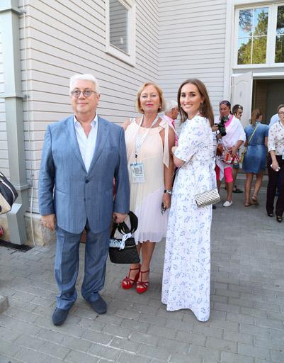 Владимир Винокур с  женой Тамарой и дочерью Анастасией