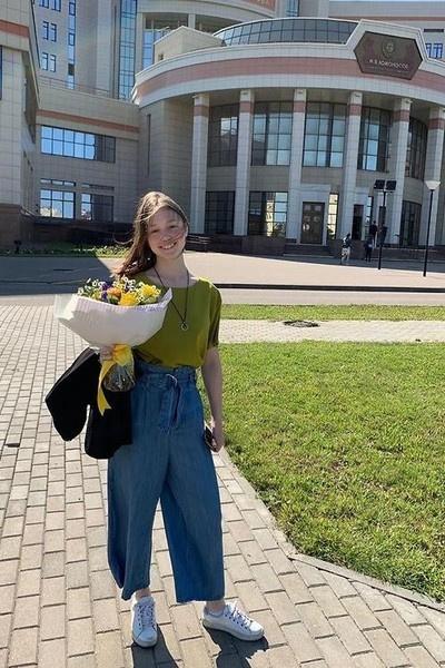 Катя Старшова отказалась от актерской карьеры и поступила на медицинский факультет