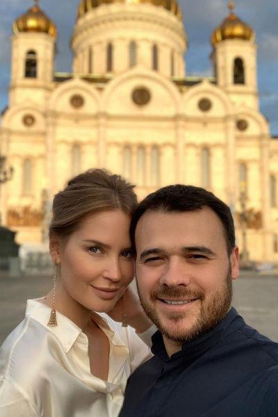 Влюбленные проводят вместе много времени и часто путешествуют