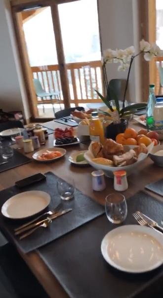 Завтрак для всей звездной компании