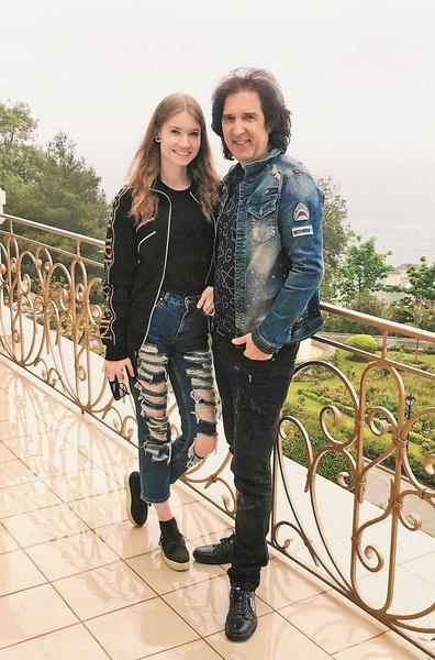 Кай Метов и его молодая возлюбленная готовятся к тайной свадьбе