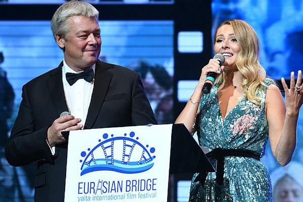 Александр Стриженов и Мария Кожевникова стали ведущими церемонии открытия