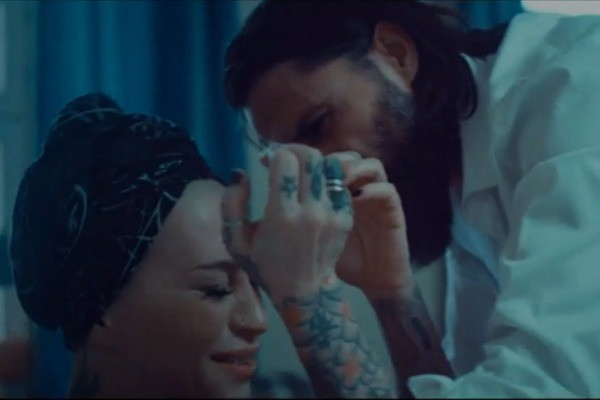 Новый клип певица посвятила теме домашнего насилия