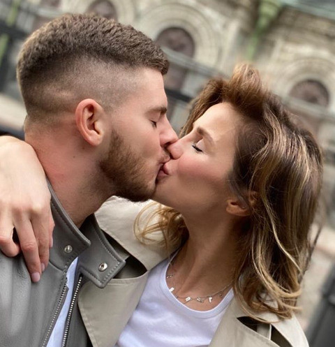 Экс-невеста парня Алексы: «Утром он целовал мой беременный живот, а вечером был с ней»