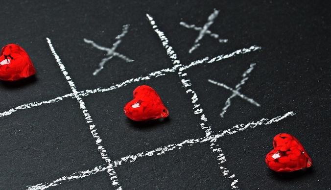 Не везет в любви: 5 знаков зодиака, чьи отношения обречены