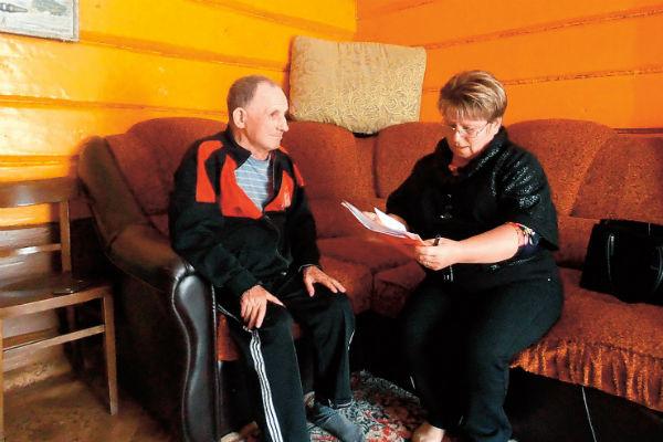 Ольга даже проработала месяц в интернате для пожилых людей, чтобы лучше понимать своих любимых старичков