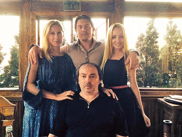 Борис Краснов с друзьями – Ольгой Дерипаско и адвокатами – Александром Карабановым и Аленой Адлер. 2014 год