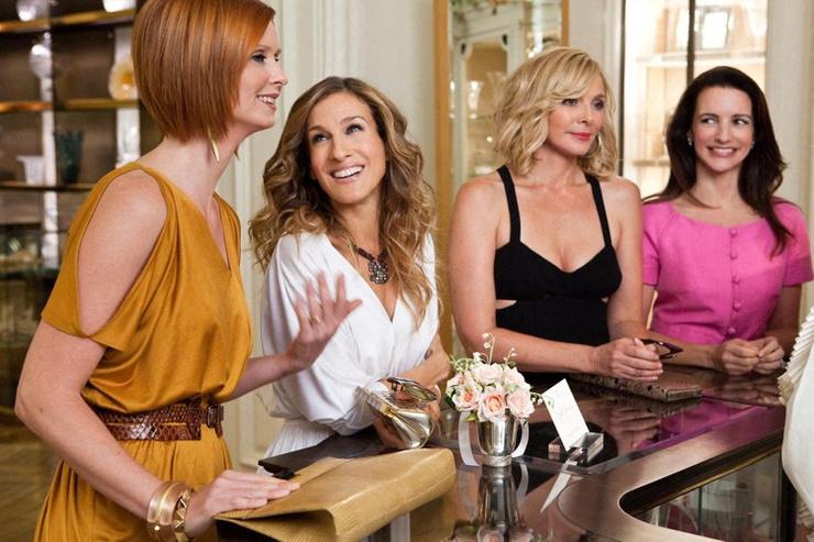 Сара заменит героиню Ким Кэттролл (вторая слева)