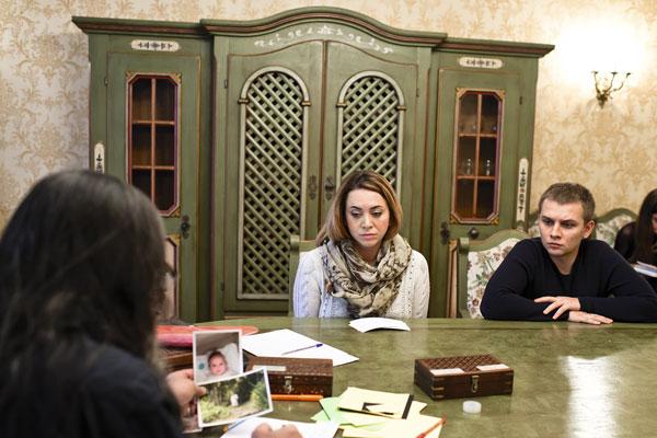 Пару раз во время приема Фриске не смогла сдержать слез, ее поддерживал муж Сергей Вшивков