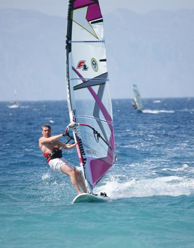 Борис Немцов покорял волны на острове Родос