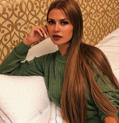Викторию Боню застали на свидании с известным футболистом