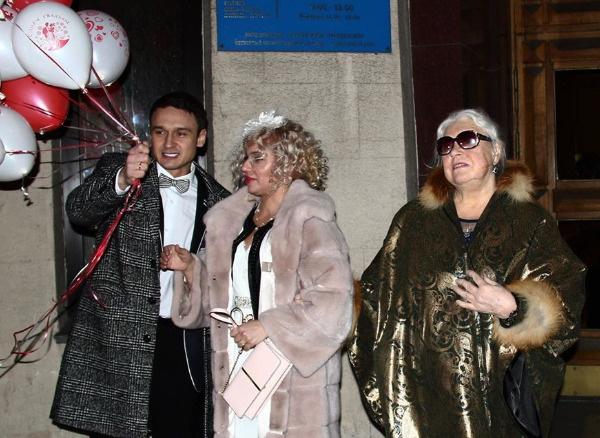 Пара зарегистрировала отношения в Кутузовском ЗАГСе столицы