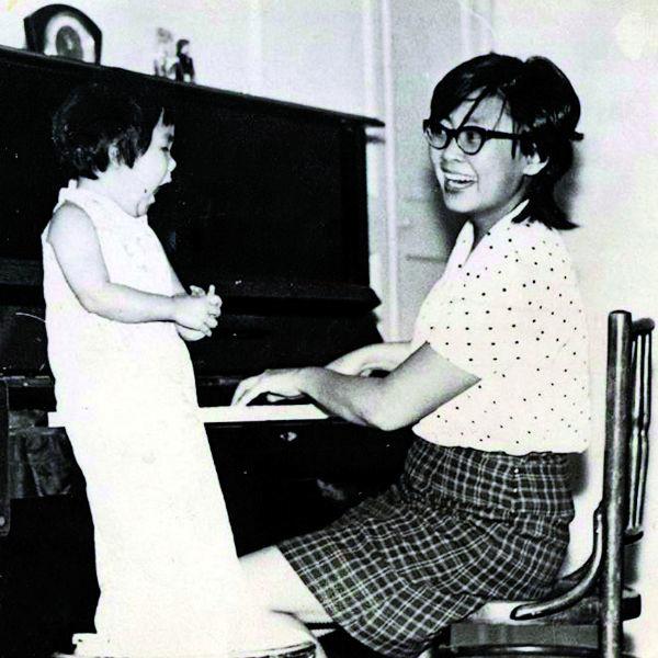 Элоиза Санхымовна привила дочери любовь к музыке