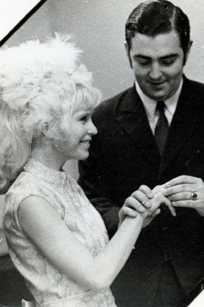 Михаил и Маргарита расписались 2 января 1971 года