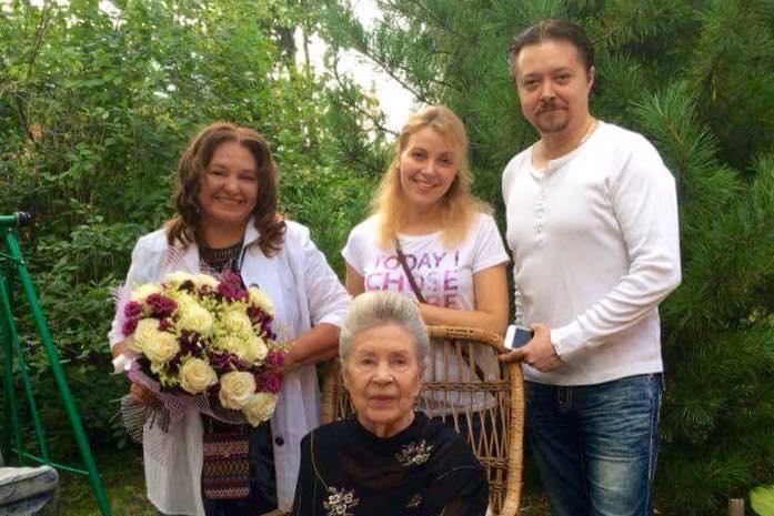 Родные Инны Макаровой: дочь Наталья Бондарчук, внук Иван Бурляев с женой