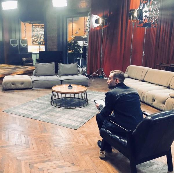 Студия, в которой снимается новое шоу Шепелева