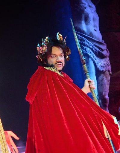 Филипп Киркоров в образе Зевса