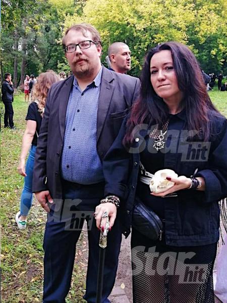 Анна Гехман и мужчина, который похож на разоблачителя Бориса Соболева. Сама женщина помогала расследовать убийство депутата Раменского района