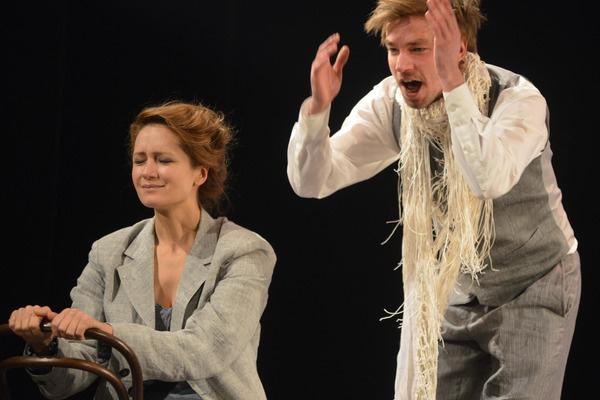 Виктория Исакова лишилась работы в театре из-за коронавируса