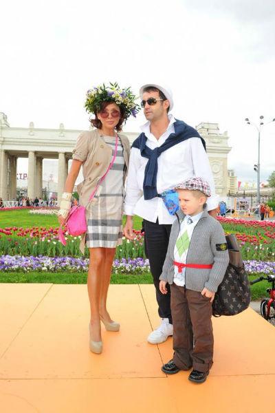 Ольга Дроздова с мужем Дмитрием Певцовым и сыном Елисеем