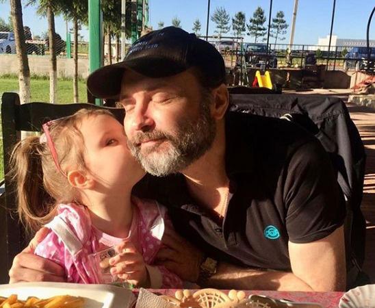 Марк Горонок с дочерью