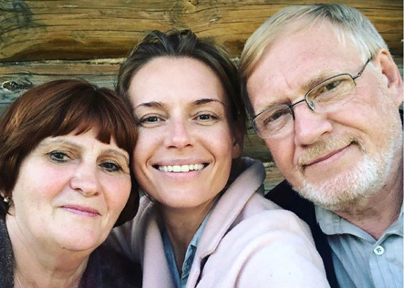 Родители Толкалиной попали в аварию в середине июня