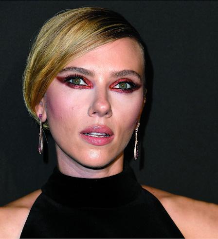 На церемонии вручения премии журнала ELLE Women In Hollywood, Беверли-Хиллз