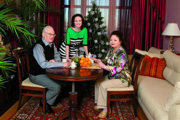 Ольга близка с родителями. На фото – с мамой Лией Александровной и папой Станиславом Юрьевичем