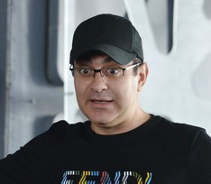 Продюсер «Маски» о причине ухода Гарика Мартиросяна из шоу и дате старта 3 сезона проекта