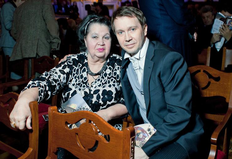 Евгений Миронов с мамой Тамарой Петровной