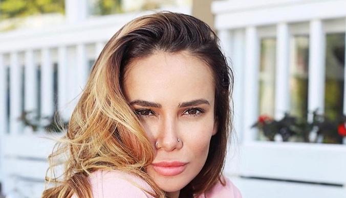 Айза Анохина – Алене Водонаевой: «Твое мнение такое же глупое, как и ты сама»