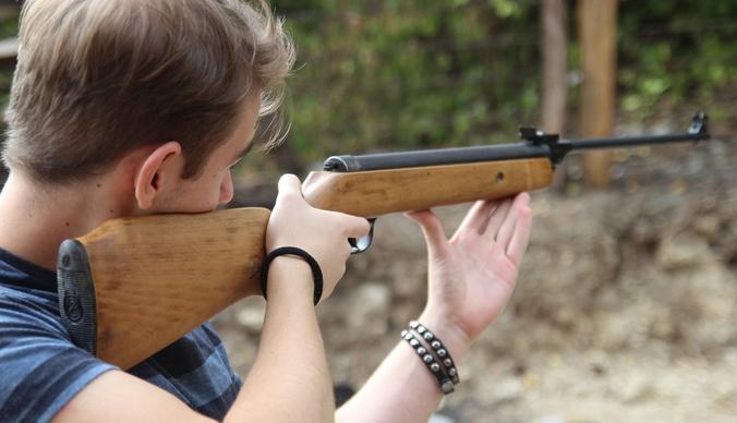 Расстрелял бабушку и случайных прохожих: 18-летний юноша убил четырех человек в Нижегородской области