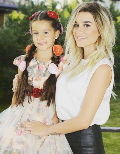 Ксения Бородина отправила дочь Марусю в первый класс
