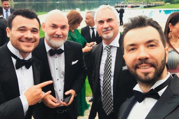 Жених с друзьями – Сергеем Кожевниковым, Валерием Меладзе и Денисом Клявером