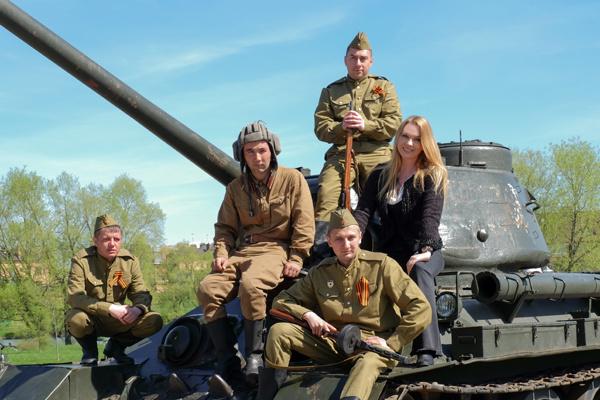 Варвара прокатилась на раритетном танке