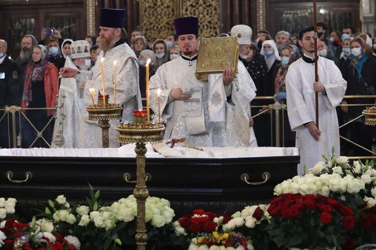 Похороны Смирнова прошли с соблюдением всех православных традиций.