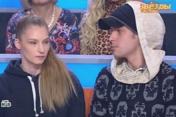Ксения Муравьева-Мукасей старается помочь брату