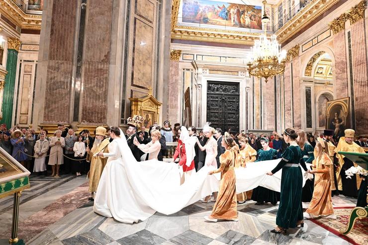 Подобная церемония у Романовых не проводилась в соборе уже 150 лет