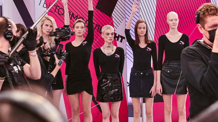 В шоу все девушки разных типажей