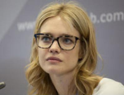 Водянова встала на защиту сестры после нападок комика