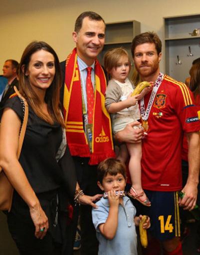 Семья Хаби Алонсо даже сфотографировалась с принцем