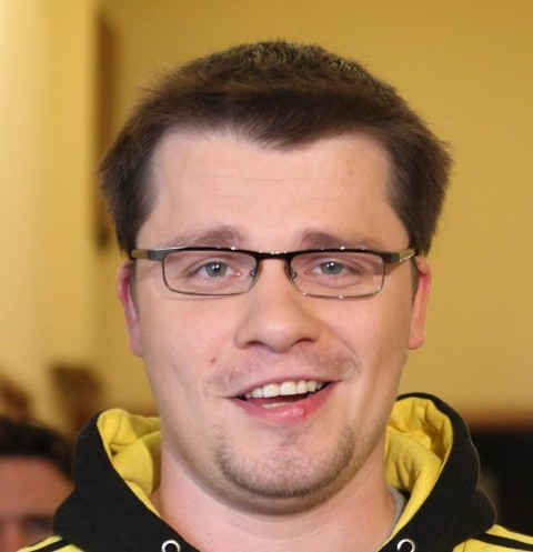 Гарик Харламов нашел утешение в компании копии Кристины Асмус