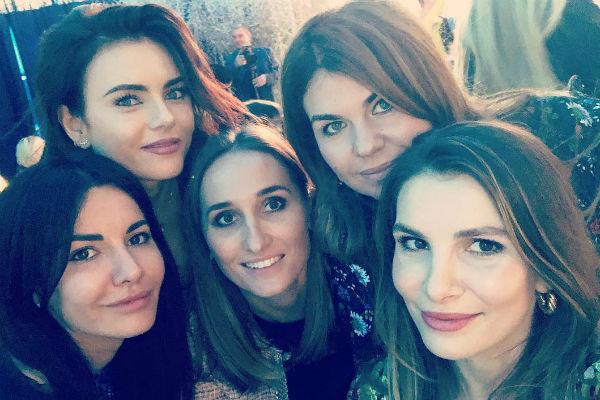 Виктория Крутая собрала на дне рождении дочери многочисленных подруг