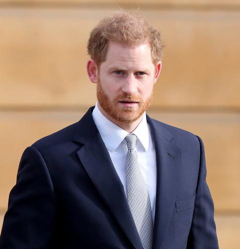 Принц Гарри тайно прилетел в Лондон без Меган Маркл