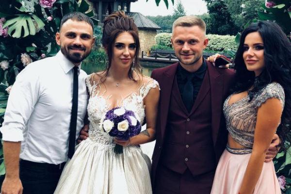 Пара поженилась в августе прошлого года