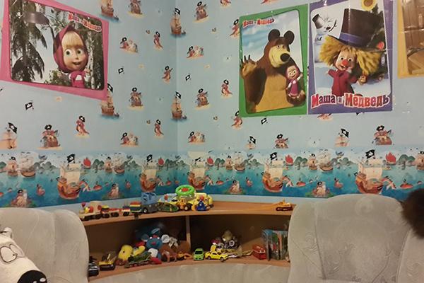 В четырехкомнатной квартире есть детская комната