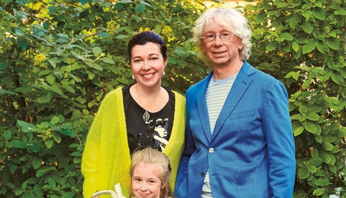Дочь Аркадия Укупника: «На папе висну, а маму слушаюсь»
